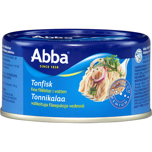 ica tonfisk i vaten