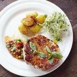Fiskkakor på svenskt vis med rostade färskpotatisar och salsa