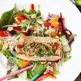 Fisk med thaidressing och nudelsallad