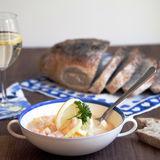 Lyxig fänkålssoppa med torsk och räkor