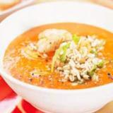 Soppa med paprika och kräftstjärtar