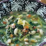 Bönsoppa med savoykål